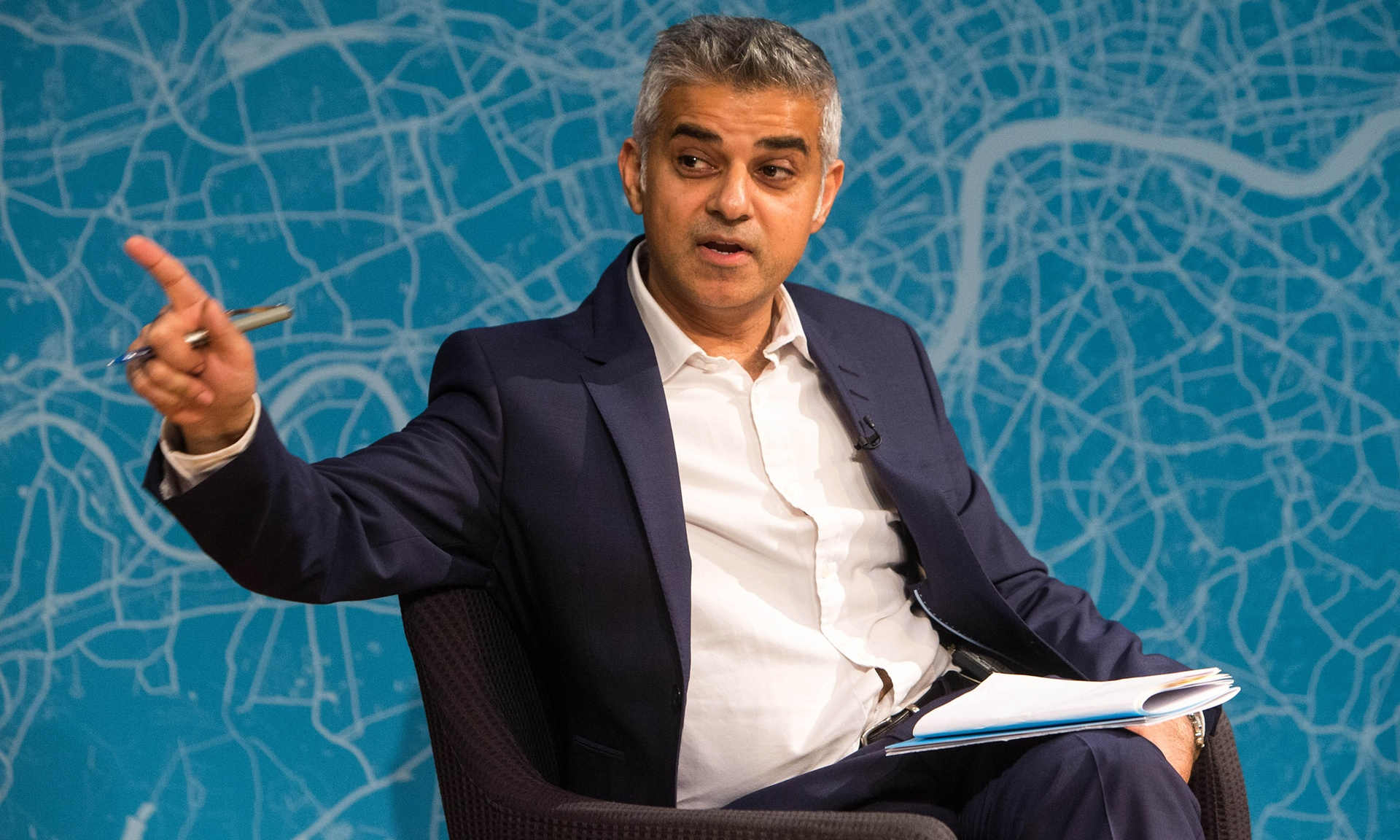 Sadiq Khan promises London will be run on clean energy by 2050