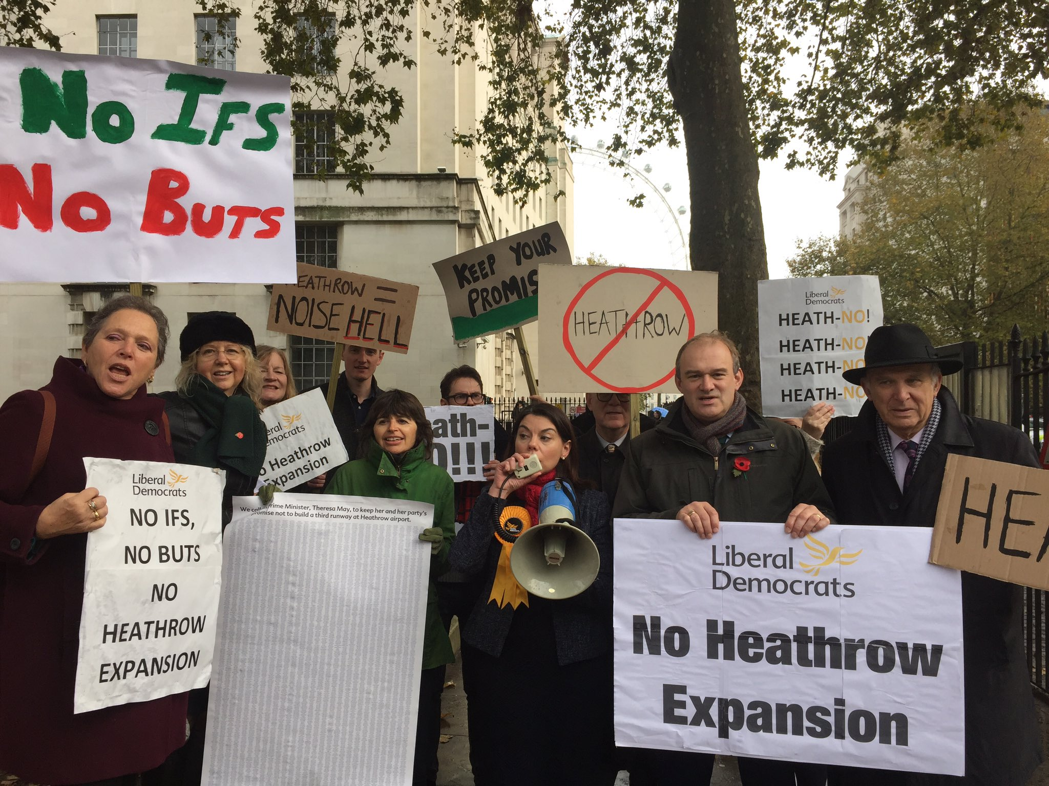 #LibDemFightback: Liberal Democrats hand in Heathrow petition to Downing Street